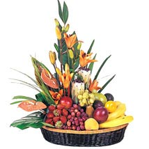 Fruit n Flower Basket: Valentine Gifts to Australia