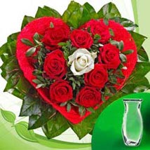 Rose Bouquet Amore with vase GER: Flower Bouquets