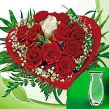 Rose Bouquet vase: Send New Year Gifts to Germany