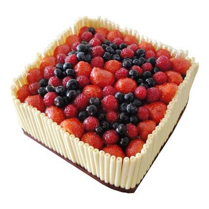 Berry Cake 2kg Eggless