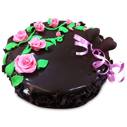 Chocolate Cake With Pink Roses Half kg Eggless
