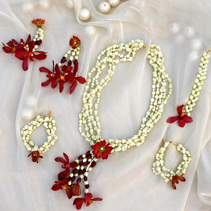 Delicate Floral Jewelry Set Gift A Fresh Floral Jewelry