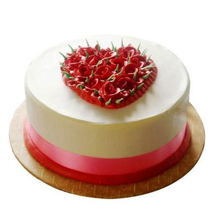 Desirable Rose Cake Half kg