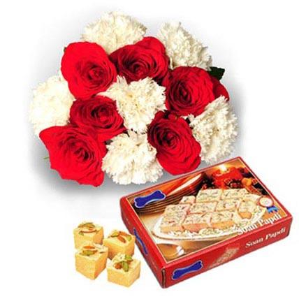 Flowers with 1kg Sone Papri