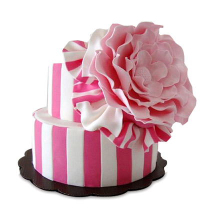 Pink Flowery Cake 4kg Eggless