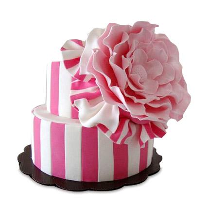 Pink Flowery Cake 5kg Eggless