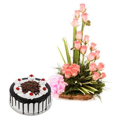 Pink Roses N Chocolate Treat