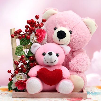 Teddies In Love