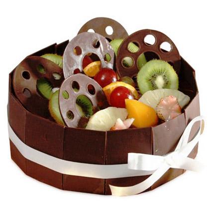 The Chocolate Fruit Basket Half kg Eggless