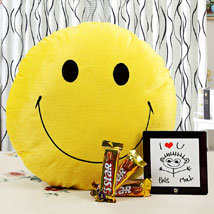 Brighten Up Your Love With Smile:  Romantic Gifts for Birthday