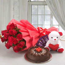 Flower Cake Hamper: Bhilwara Gifts