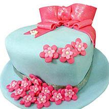 Fondant Hat Cake: Red velvet cakes