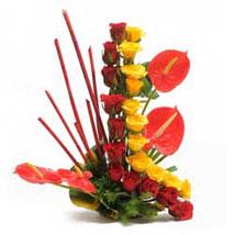 Modern Basket: Mixed flowers