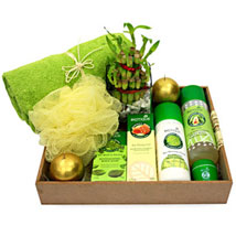 The Curiously Strong Spa: Cosmetics & Spa Hampers for Karwa Chauth
