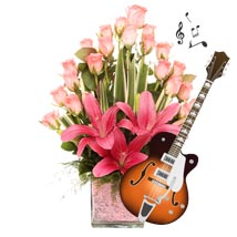 The Pink Musical Romance: Flowers & Guitarist Service
